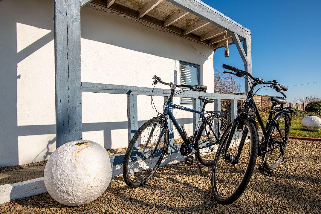 Surf-hut-bikes